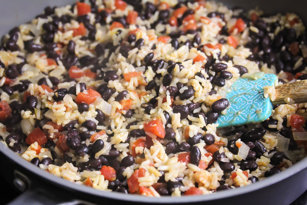 How to make black beans and rice in a skillet