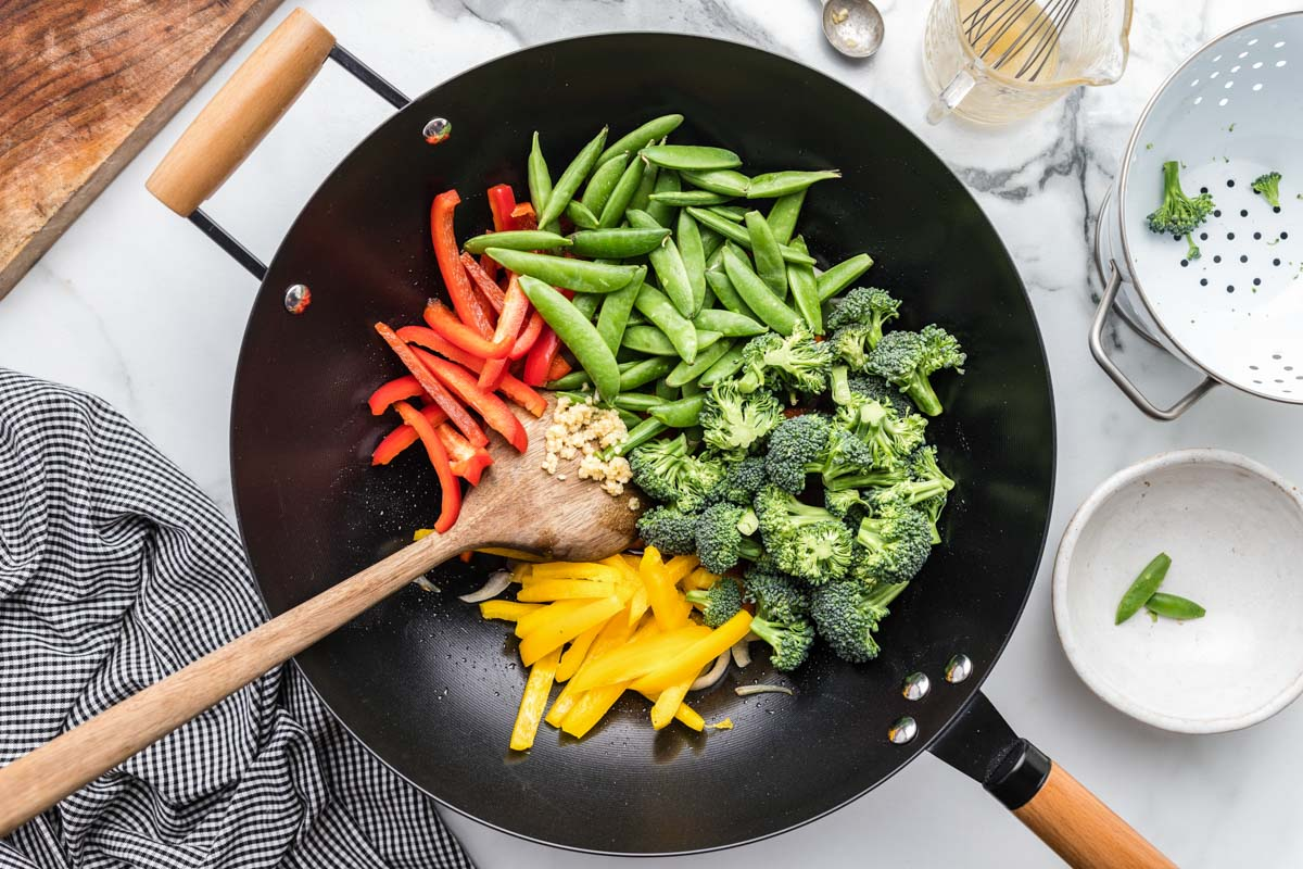 How to stir fry vegetables in a wok