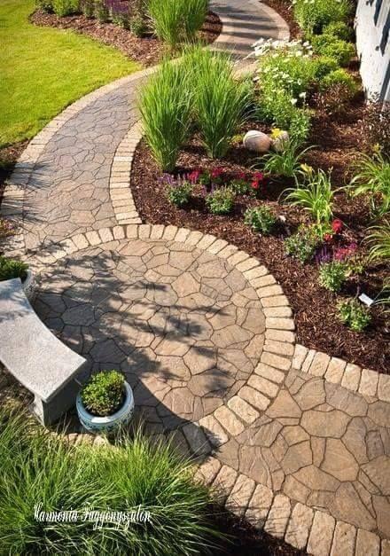 Идеи для дачи и сада - площадка и дорожка из камня