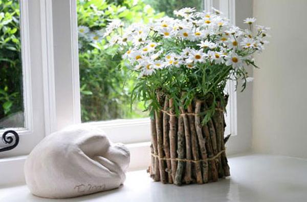 Декор вазы с цветами ветками