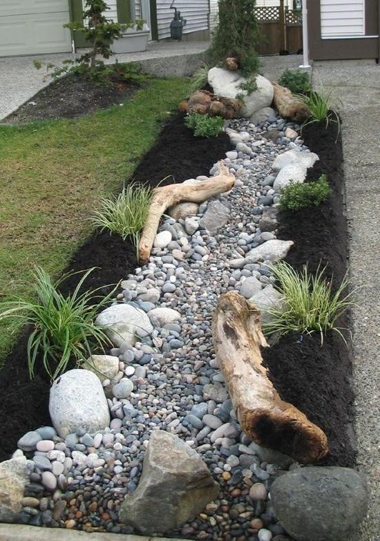 Каменистая гряда - имитация сухого ручья
