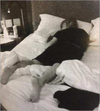 手越祐也のベッド写真