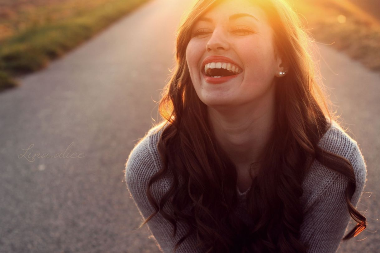 happy-happiness-laughter-Lina.alice-Photography-56b751195f9b5829f8384588