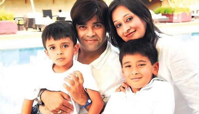 kiku sharda with family
