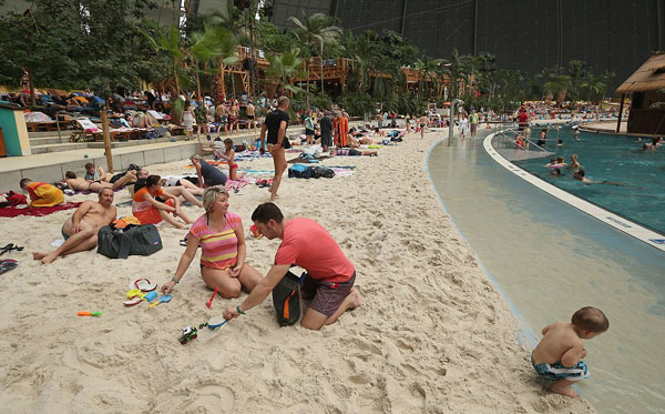 , The world's largest inland beach is in Germany
