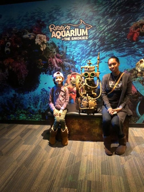 Charmingly CJ and Jay at Ripley's Aquarium of the Smokies