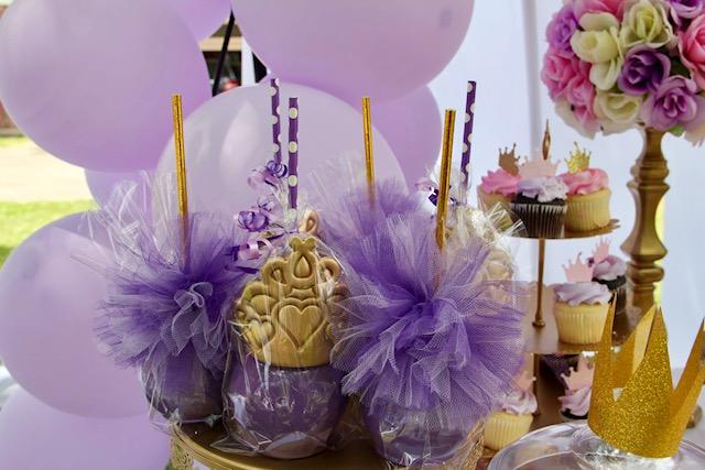 Purple princess candy apples.