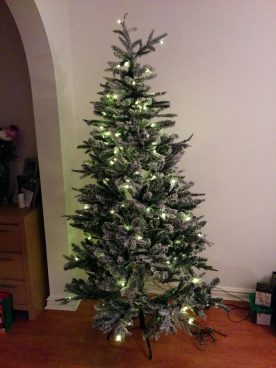 Linea Christmas tree assembled and lit