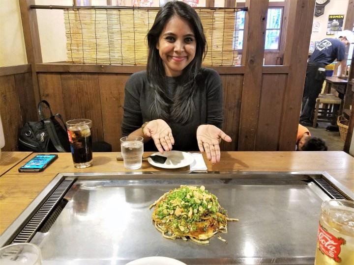 Life of Shal_Tasting Okonomiyaki