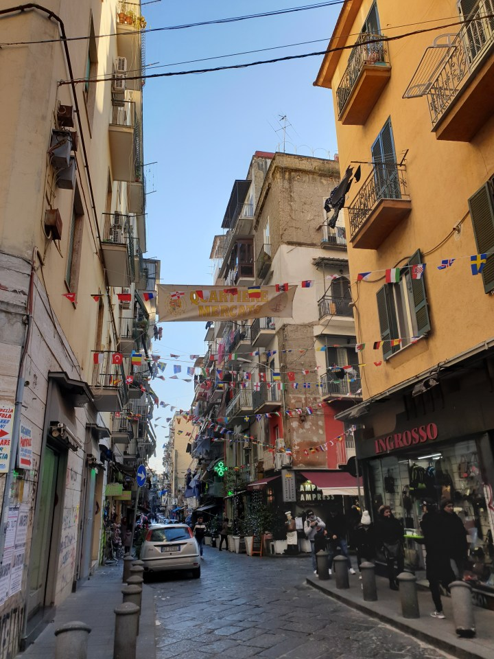 Finding (and surviving) the crazy streets of Naples