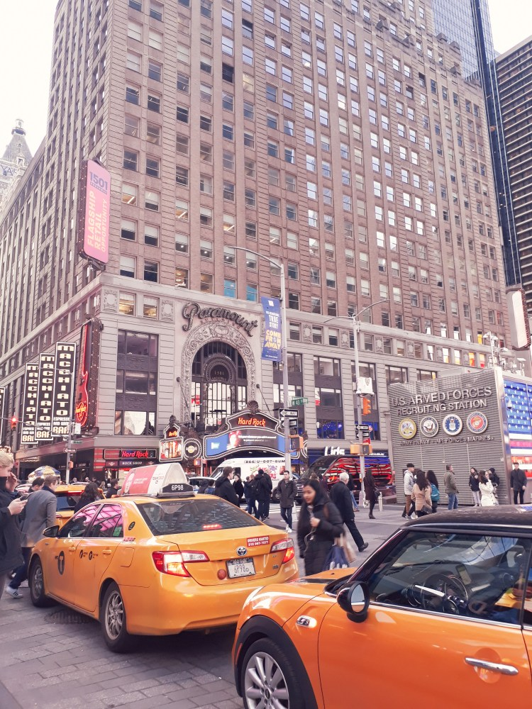 yellow taxi in new york