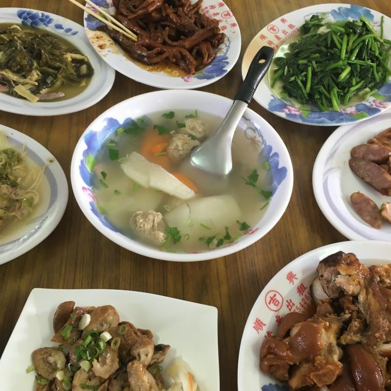【彰化鹿港好吃】 巷子裡的牛肉香|古早味的辦桌料理|好吃的家鄉菜