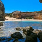 Loch Ard Gorge, Hiking Trails Australia, 12 Apostles, Things to See in Australia, Beautiful places in Australia, Things to See Along The Great Ocean Road, Attractions Australia, Beautiful Beaches in Australia, Beaches in Australia, Caves in Australia,