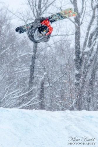 Best Terrain Parks Ontario, Ontario Skiing, Top Ski Hills in Ontario, Best Skiings in Ontario, Freestyle Skiers, Things to do in Winter in Ontario, Ski Rosorts Ontario, Mount St. Louis Moonstone,