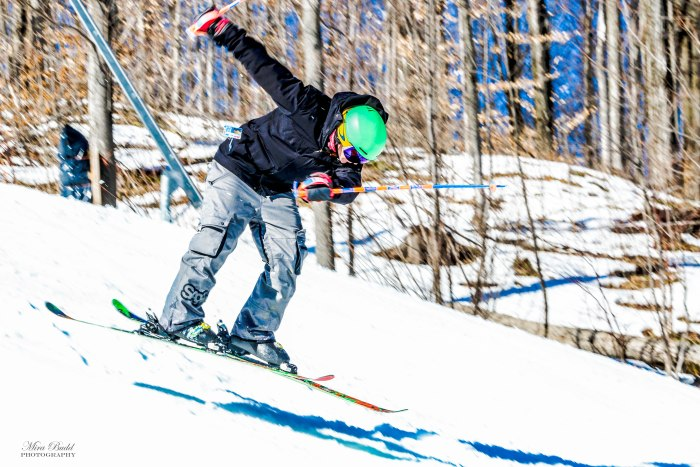 Best Terrain Parks Ontario, Ontario Skiing, Top Ski Hills in Ontario, Best Skiings in Ontario, Freestyle Skiers, Things to do in Winter in Ontario, Ski Rosorts Ontario, Mount St. Louise Moonston Terrain Park,