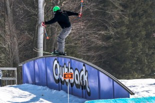 Mount St. Louis Moonstone, Best Terrain Parks Ontario, Ontario Skiing, Top Ski Hills in Ontario, Best Skiings in Ontario, Freestyle Skiers, Things to do in Winter in Ontario, Ski Rosorts Ontario, Mount St. Louis Moonstone Terrain Park,