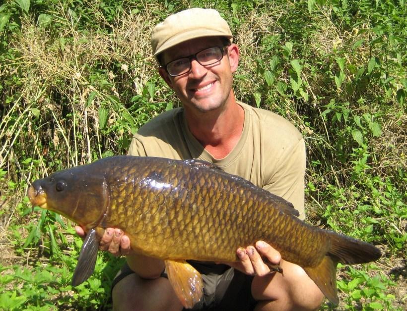 carp fishing on the river lea