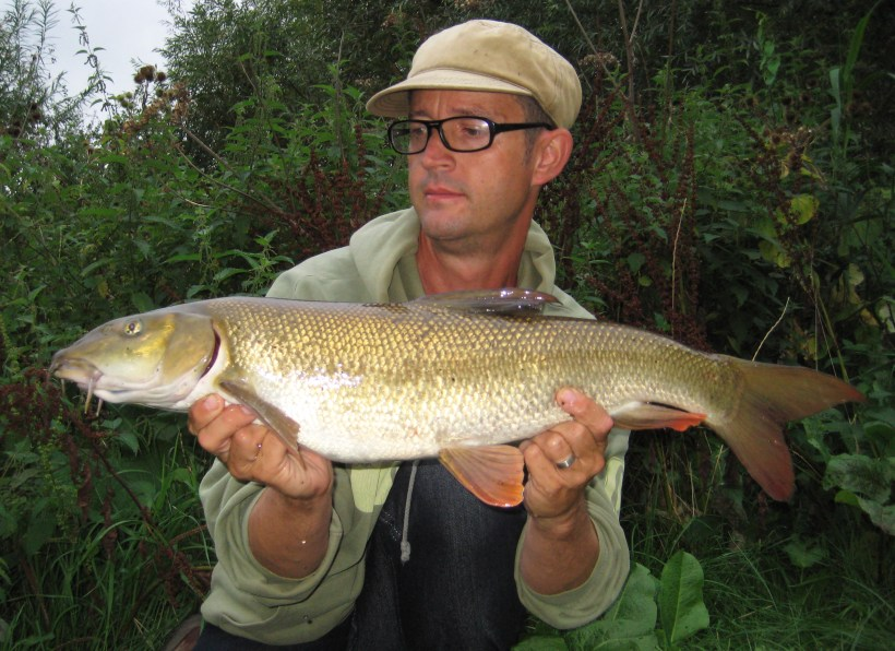 barbel fishing on the River Lea