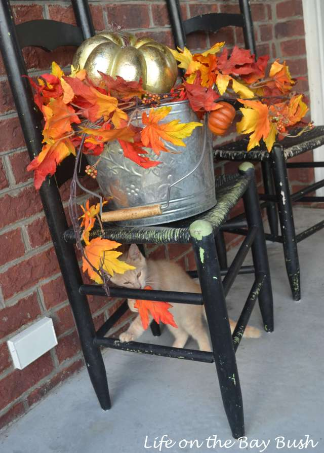 fall-porch-basket