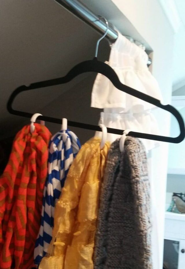 organized-scarves