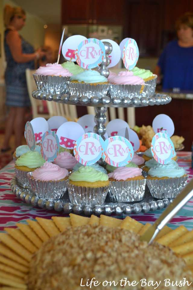 monogram-shower-cupcakes