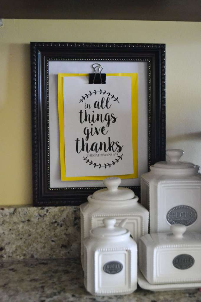 Easy way to use a broken frame plus a free printable!