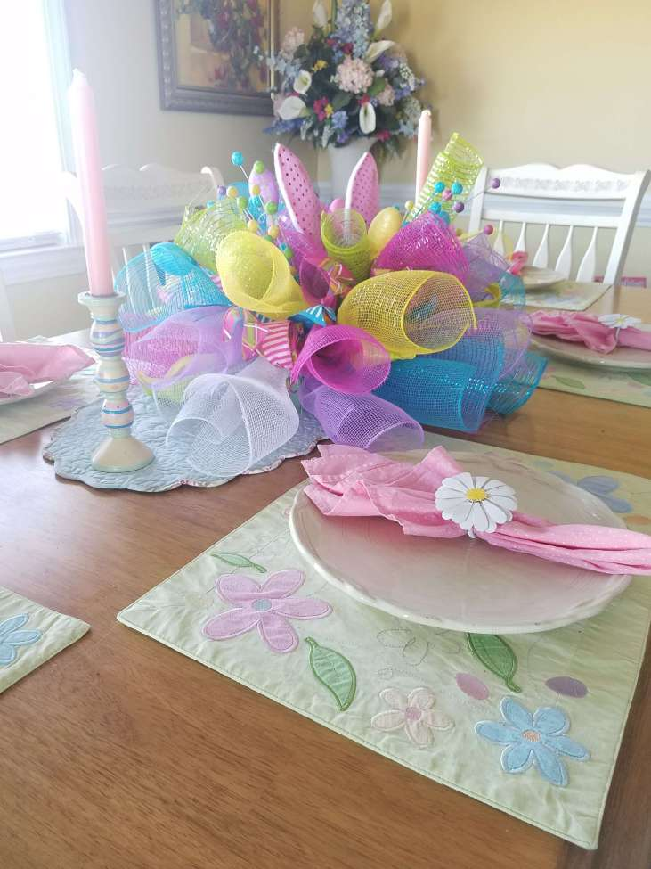 Lovely Easter Table with Centerpiece Tutorial