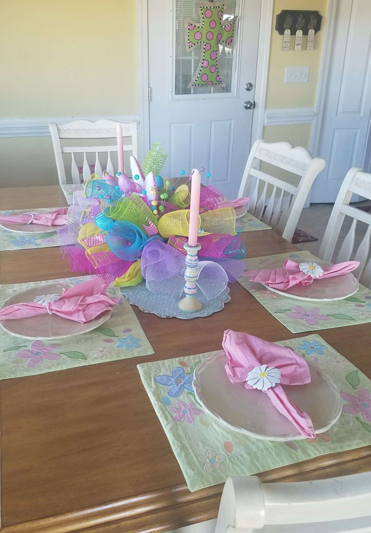 Lovely Easter Table - looks easy to do!