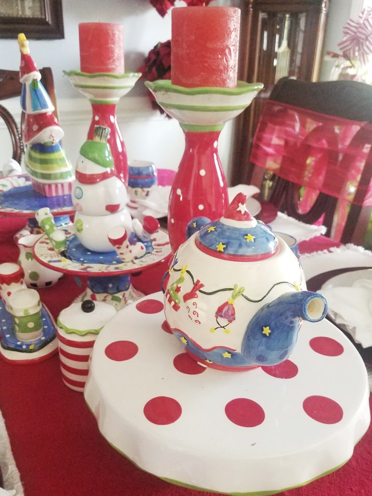 Love this adorable whimsical Christmas Table