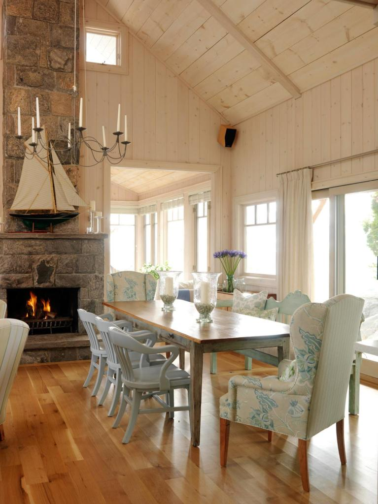 SR summer cottage dining