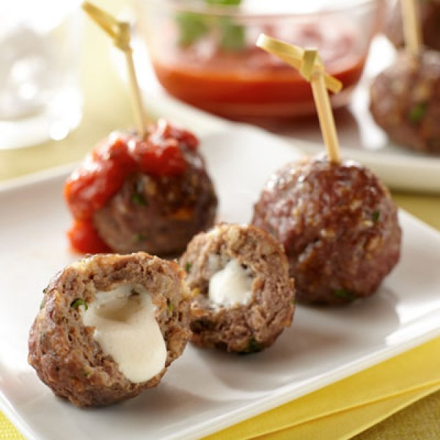 mozzarella-stuffed-appetizer-meatballs-16080