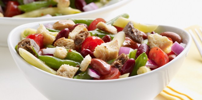 ny_greenbeansaladwithasiagocheesecroutons