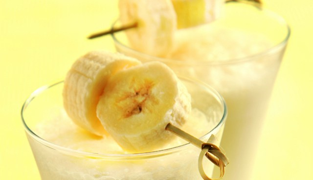 banana-oatmeal-smoothie