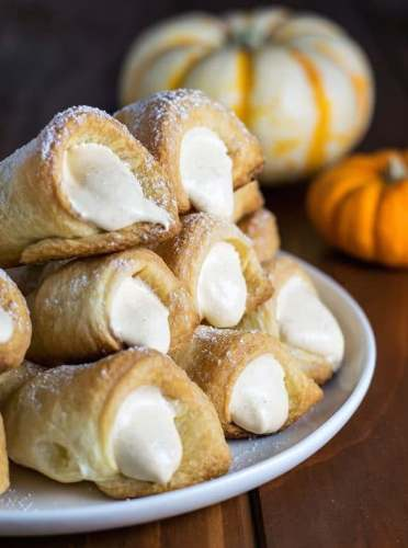 pumpkin-spice-cream-horns-1-600x900