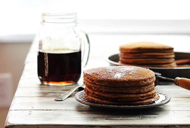 gingerbread-pancakes-3