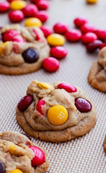 the-softest-peanut-butter-cookies-they-melt-in-your-mouth-and-are-exploding-with-peanut-butter-flavor