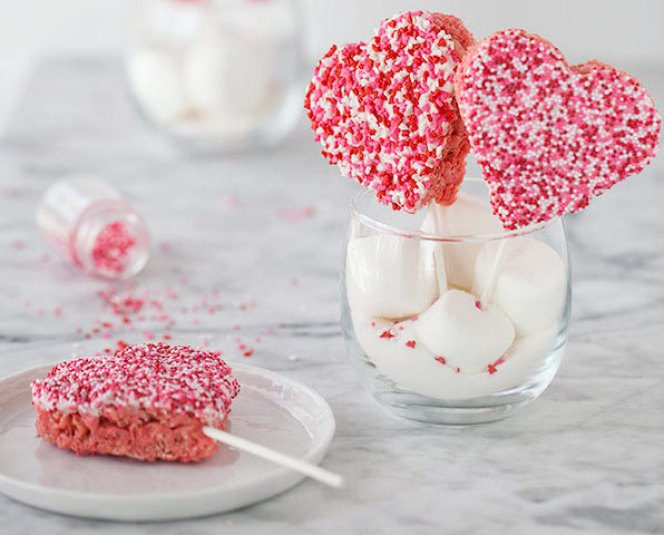 valentines-rice-krispie-treats-foodiecrush-021