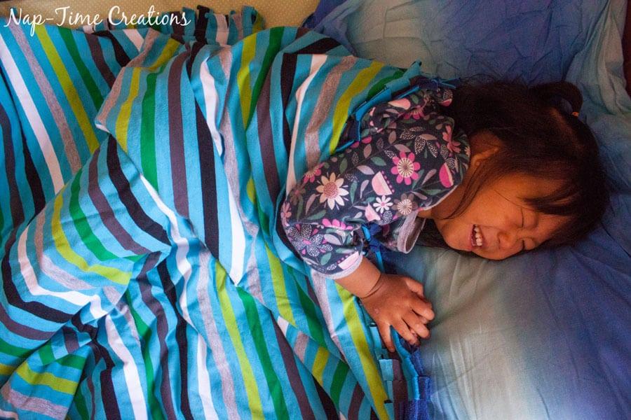 snuggly-baby-blanket-tutorial-3