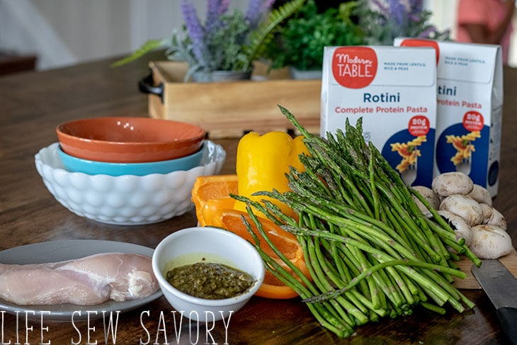 ingredients for grilled vegetable pasta with chicken and pesto