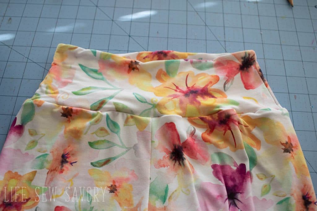 Contoured waistband tutorial and free pdf pattern