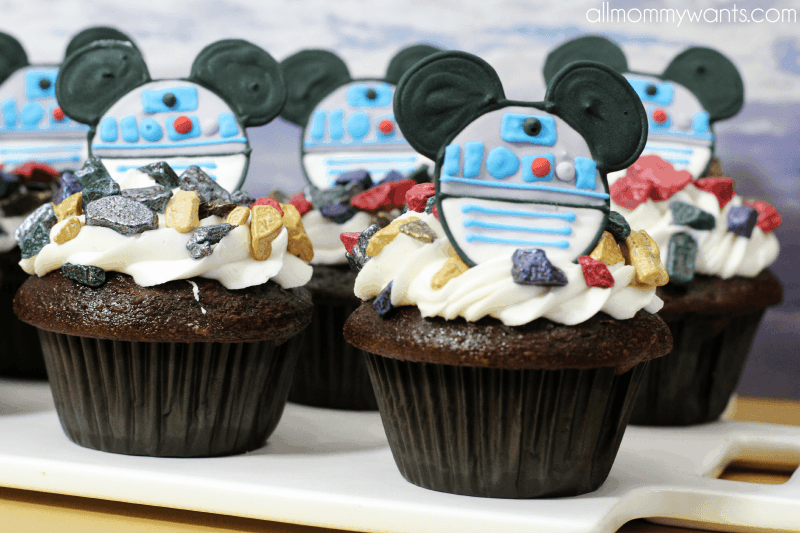 Recipe Mickey Mouse Star Wars R2d2 Cupcakes With Printable