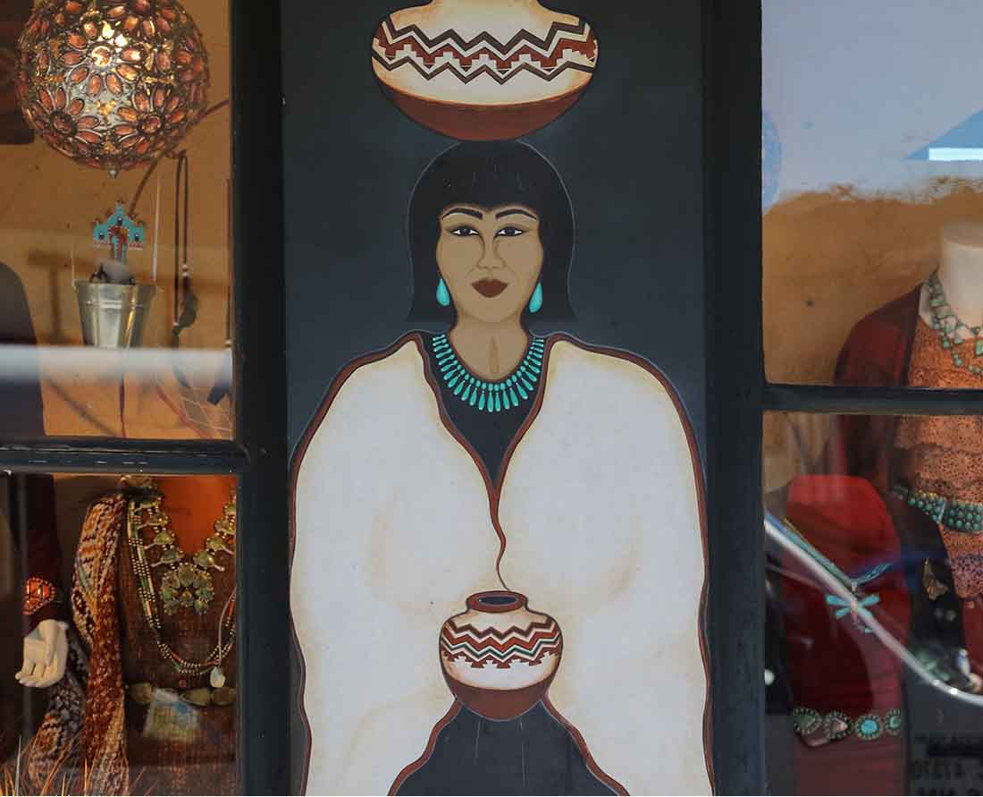 Window display of the Original Trading Post in Santa Fe, New Mexico. Photo: Wendy Nordvik-Carr©