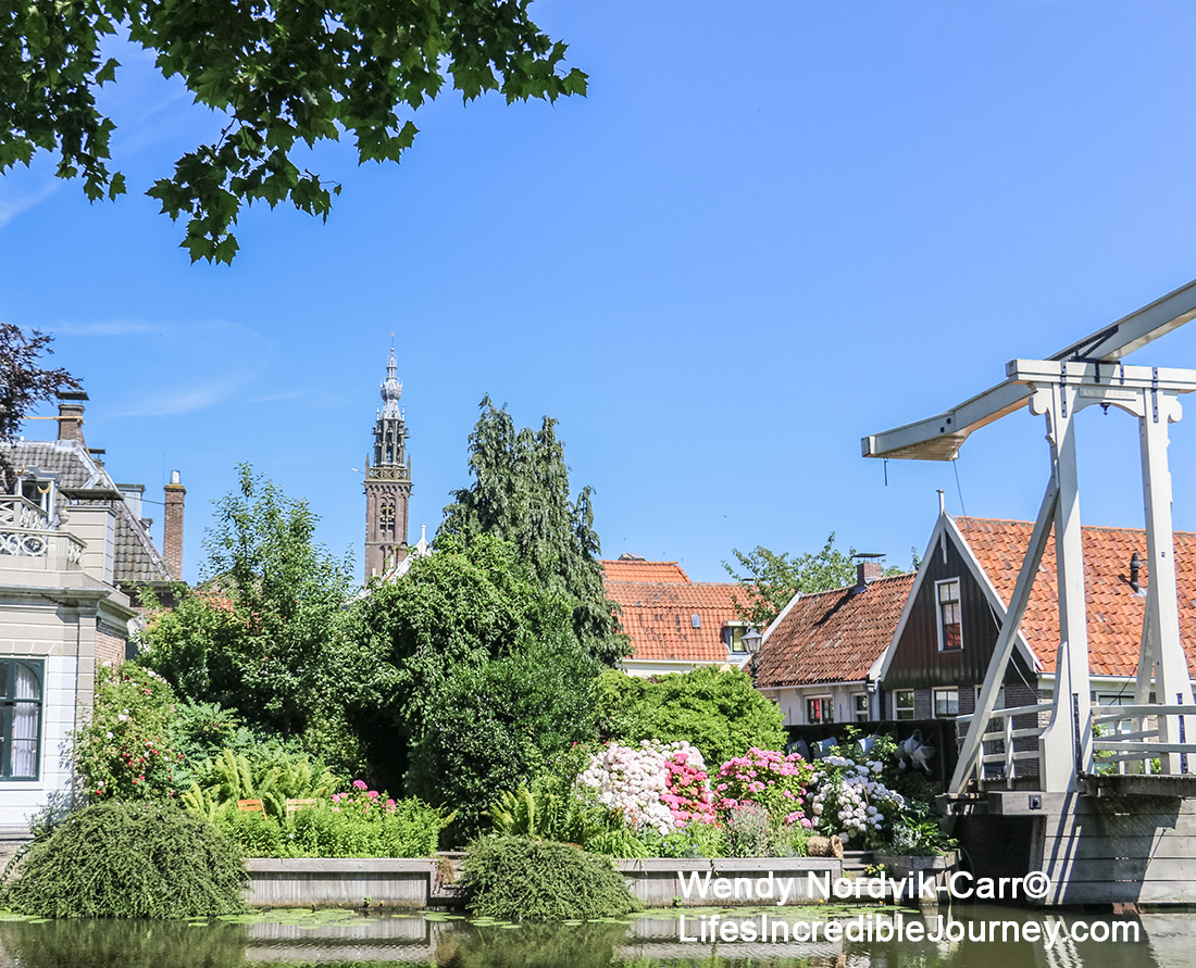 Listen for the bells of the leaning Carillon tower, one of the top things to do in Edam. The picturesque town of Edam has 17th century architecture along its historic streets and canals. Once a shipbuilding town, Edam is world famous for its cheese. Edam is located in northern Dutch countryside near Amsterdam. Photo Credit: Wendy Nordvik-Carr©
