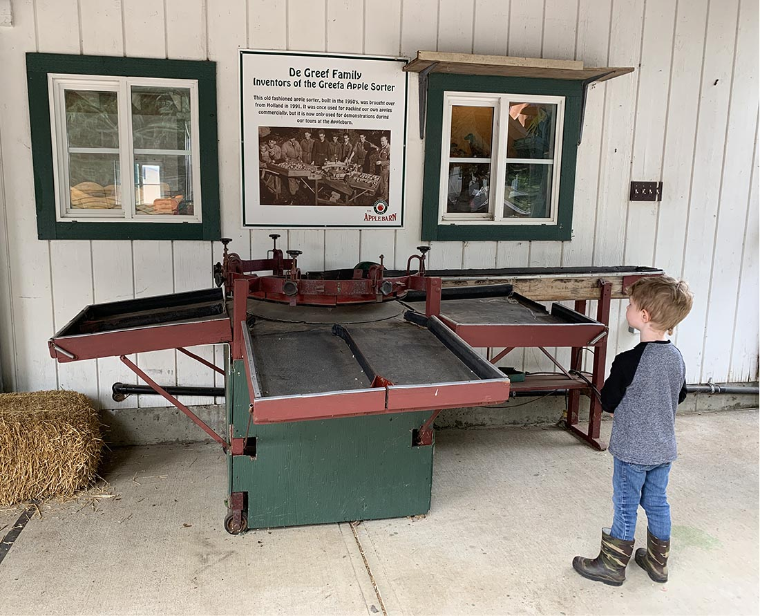 Old fashioned apple sorter on display at Taves Family Farms Applebarn