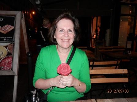Rose petal shaped gelato cone