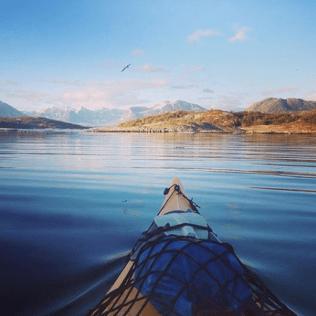 Kayak dans les fjords de Norvège