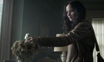 The_Hunger_Games-_Mockingjay_-_Part_1_55