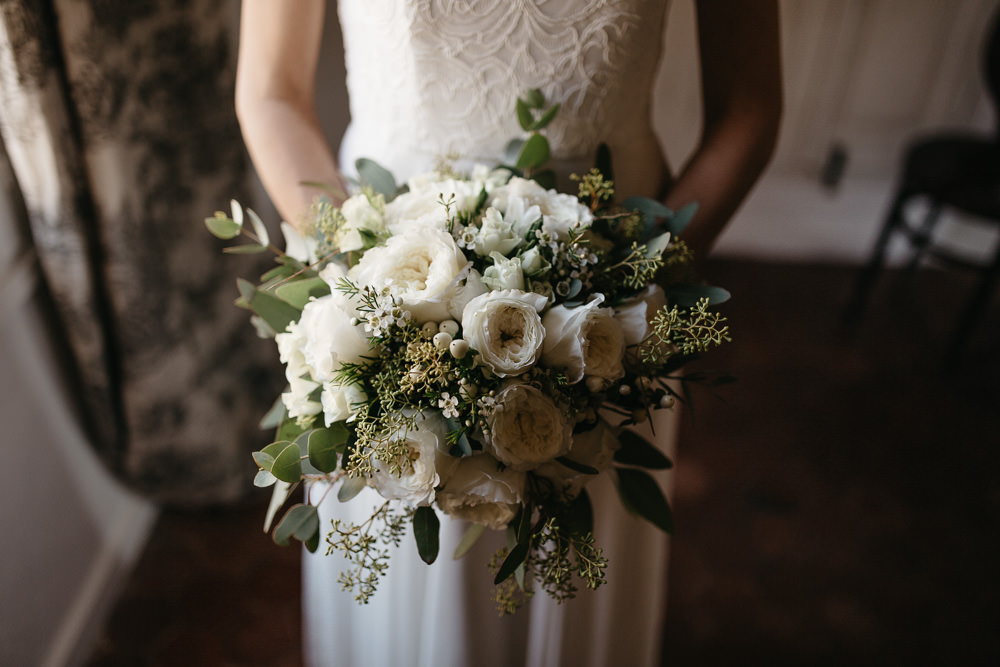 bride bouquet before her wedding in the south of France