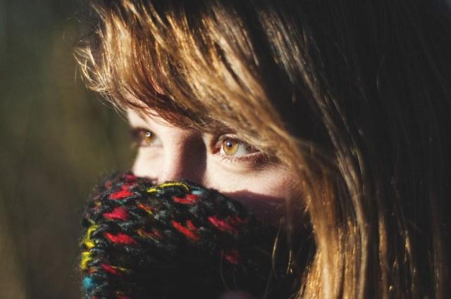 Frau Augen Schal