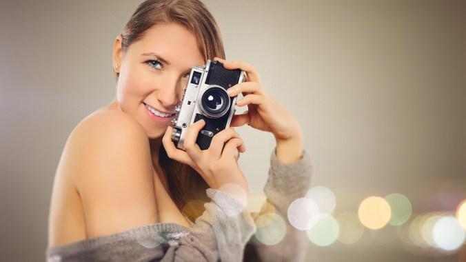 Kamera Pullover Grau